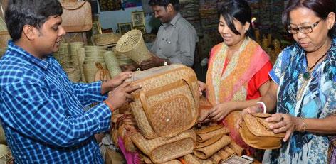 Live Chennai: Khadi and handicraft items shop in the Chennai Airport