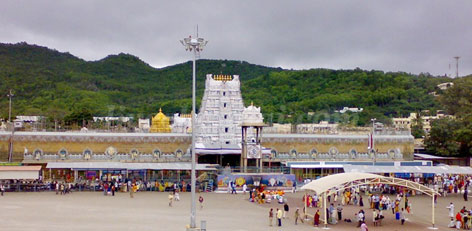 Live Chennai: 3 easiest ways to reach Tirupati,ways to reach Tirupati,tourist,Lord  Balaji,Location,Tirumala,bus journey from Chennai,bus journey from  Bengaluru,flight from Hyderabad,Tirupati,ways to reach Tirupati Temple,Best  route to travel Tirupati