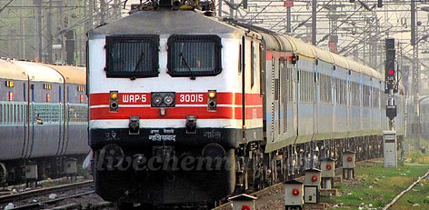 Can Waitlisted Passengers Travel In Train