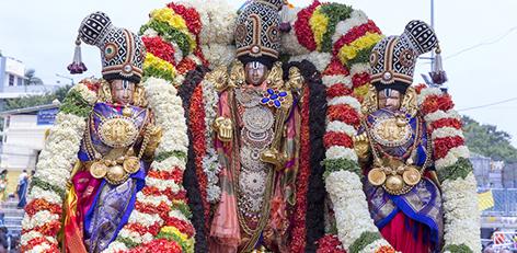 c3bd807b701 VIP Break Darshan on Purattasi Saturdays cancelled in Tirupathi temple .